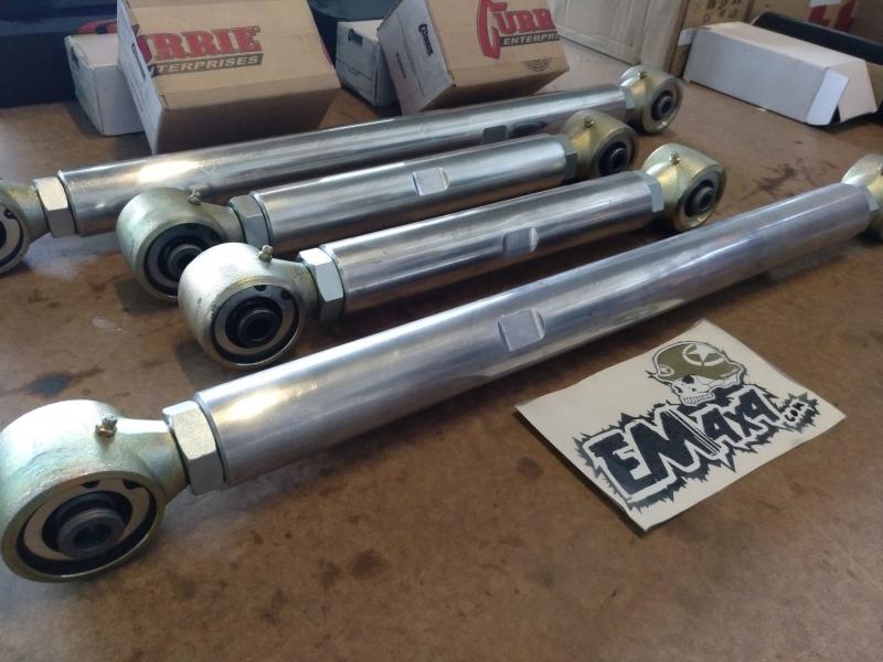 Tirantes Trazeiros Aluminio Reforçados e Rotulas - Patrol GR Y60/61